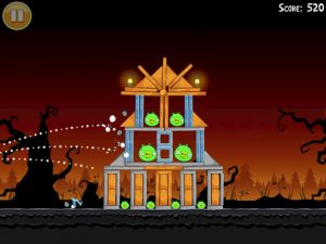 angry birds halloween 1 300x225 Angry Birds Halloween Offers 45 New Spooky Levels