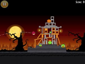 angry birds halloween 2 300x225 Angry Birds Halloween Offers 45 New Spooky Levels