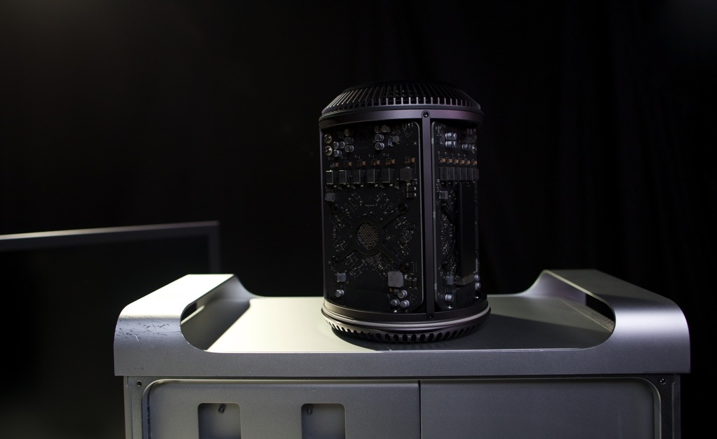 New Mac Pro Reviews: Ridiculously Fast and Powerful