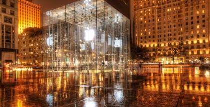 Apple-Store-at-Night
