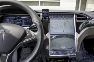 tesla-mounted-iphone