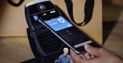 apple-pay-iphone-tim-cook