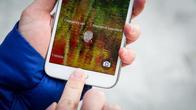 Samsung copies Apple iPhone (2)