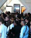 iPhone 4 Launch Day - Lines Around the World [Pics]