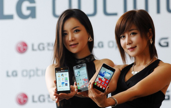 Nokia Lumia 920 alternative LG Optimus G Girls
