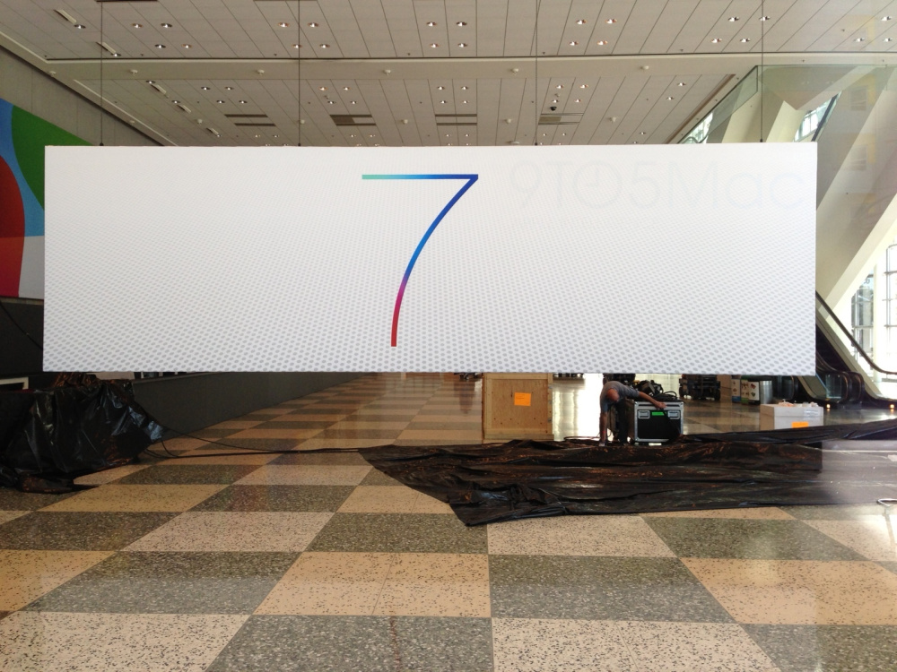 iOS 7 and OS X logos go up at Moscone West for WWDC 2013