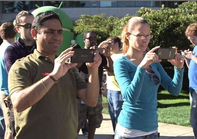 Nexus 5 first sighting at Android 4.4 KitKat Statue Unveiling