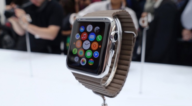 Apple Watch in March, 12-inch MBA 'Early' 2015