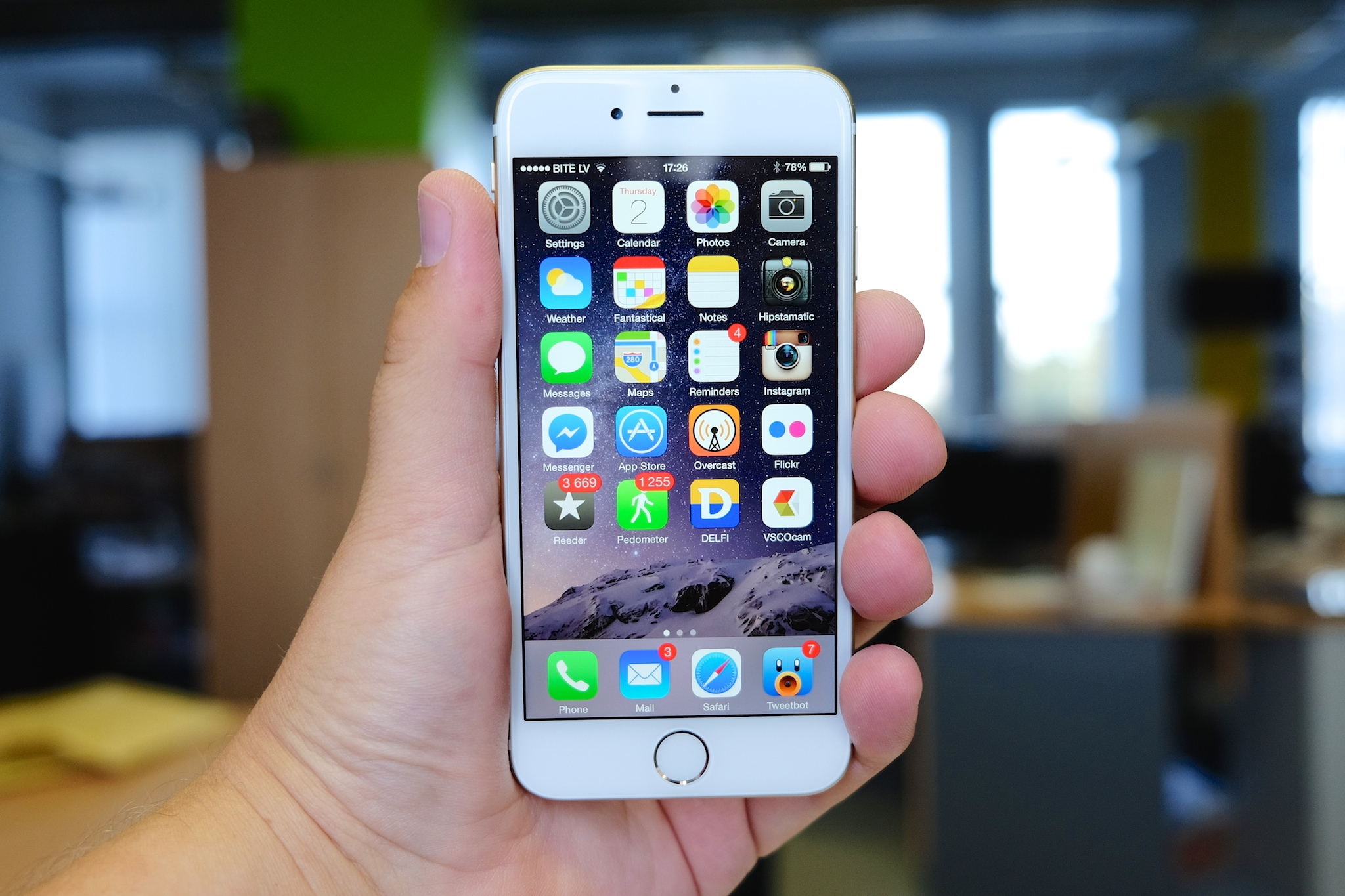 Delete Default iPhone Apps With iOS 9.3