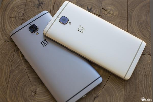 OnePlus 3 Soft Gold edition looks far more attractive than the regular Graphite version