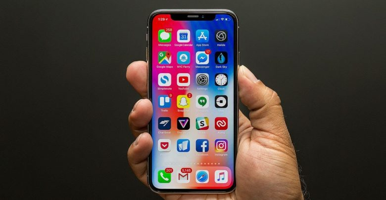 Expect two OLED iPhones, one LCD iPhone in 2018