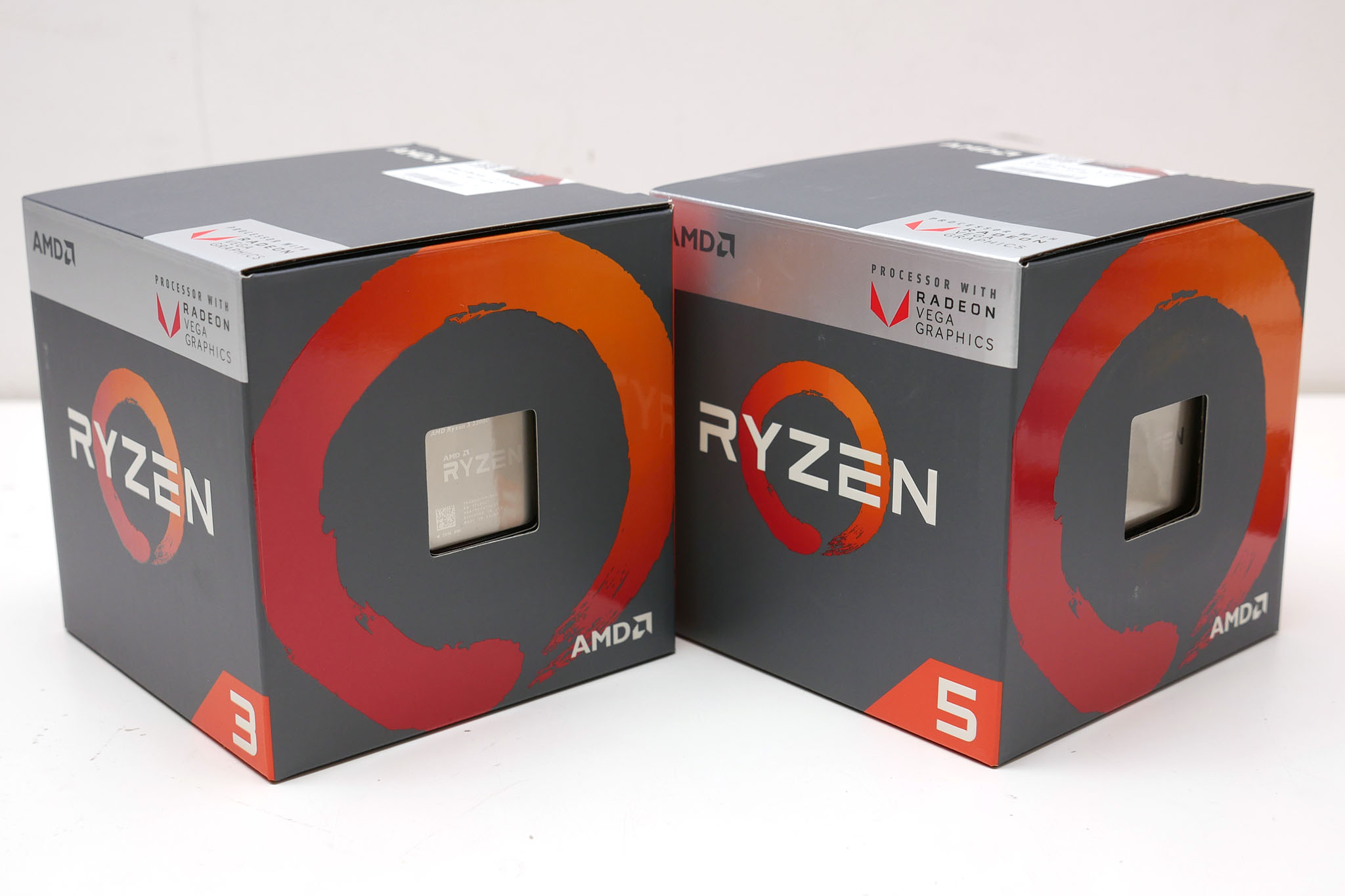 AMD Ryzen 5 2400G and Ryzen 3 2200G