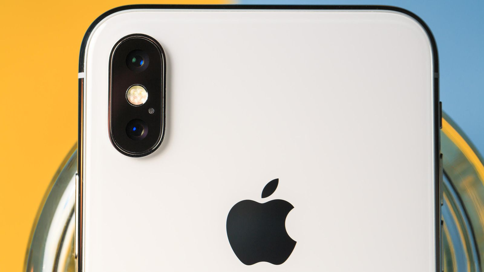 iPhone X dual-camera setup