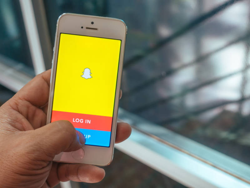 Facebook has turned into Snapchat impersonator