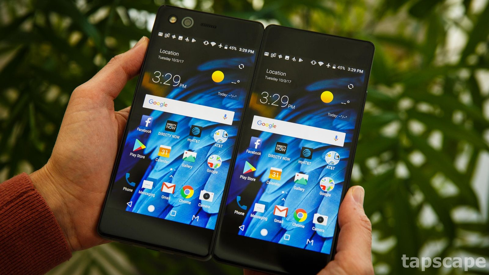 The ZTE Axon M in action