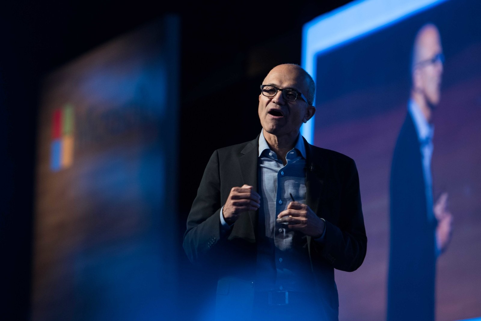 Microsoft Downplays the contract with ICEMicrosoft Downplays the contract with ICE