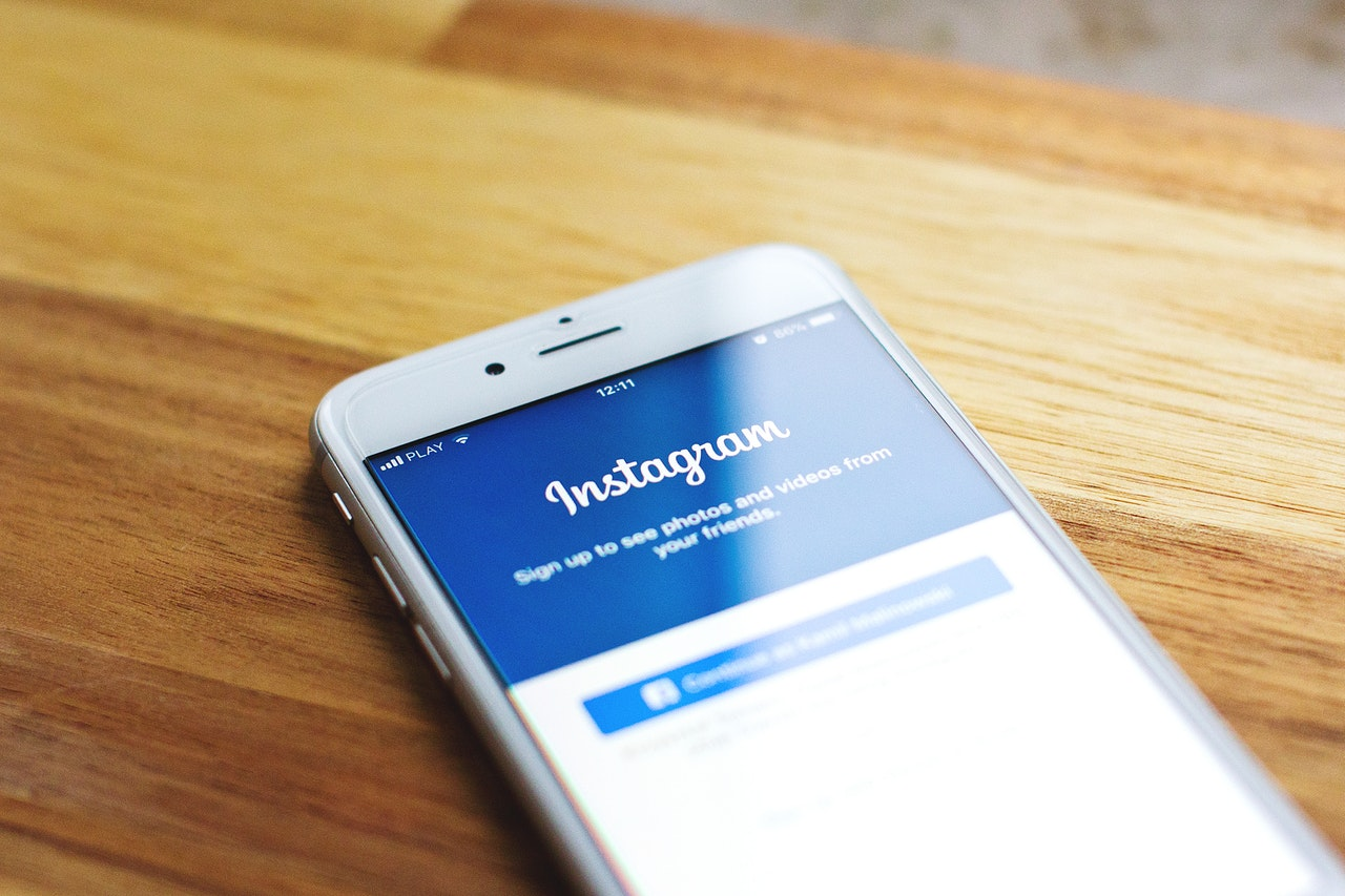 Buy Instagram Story Poll Votes to Stand Out