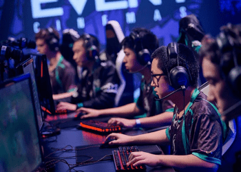 Want To Be A Pro Gamer? Here's What You Need To Know