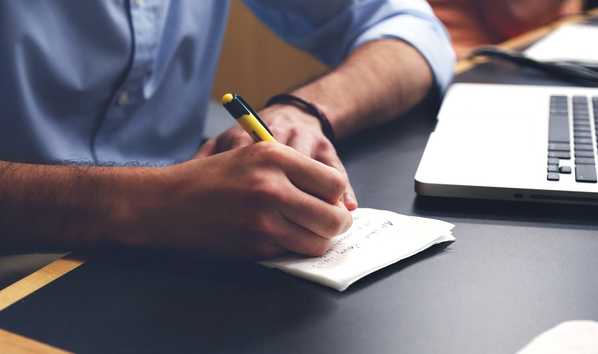Factors To Consider When Choosing An Essay Writing Service