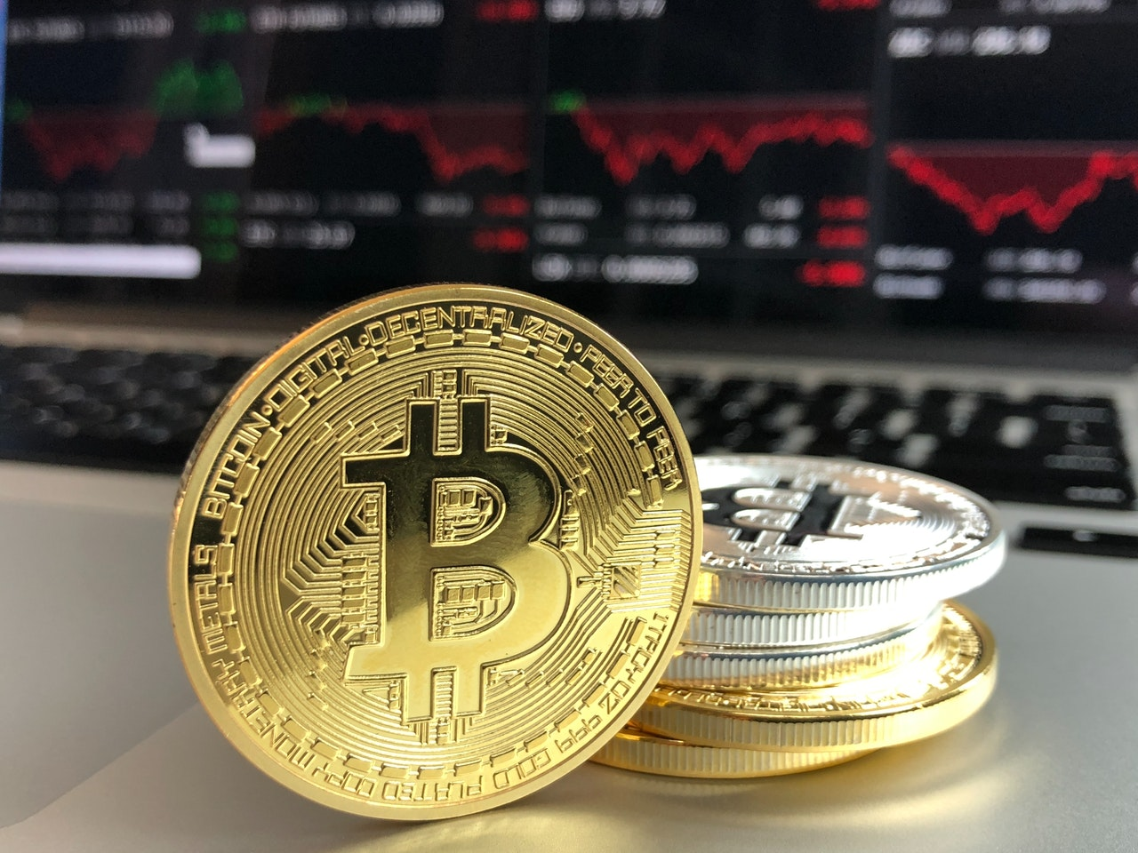 BITCOIN- Why You Should Invest When it is Tanking?