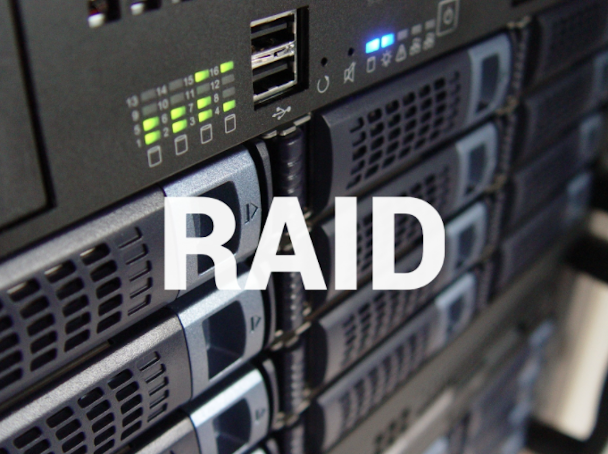 What are some differences between RAID 0 and RAID 1?
