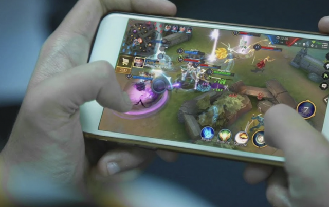 4 Tips to Get Better at Mobile Gaming